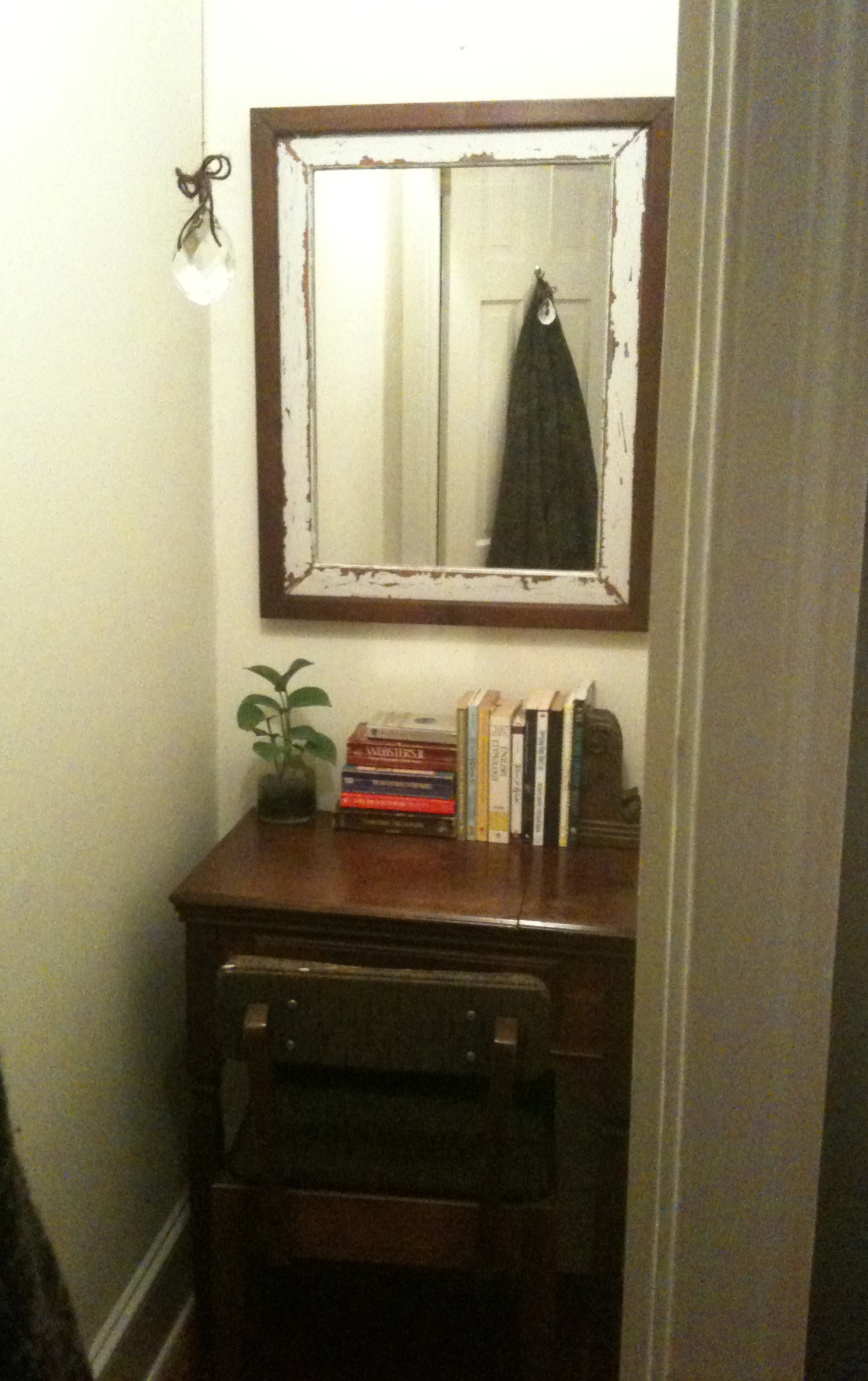 DIY: Creating Your Own Closet Office