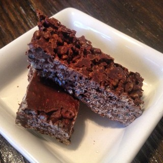 Danielle Hatfield's 2 ingredient chocolate crunch bars
