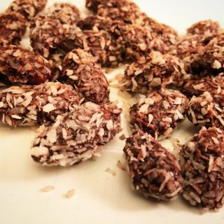 Recipe: Sugar Free Chocolate and Coconut Covered Toasted Almonds